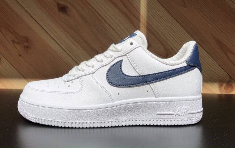 アイキャッチ:NEW ~『NIKE WMNS AIRFORCE1 LOW』~}