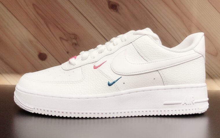 アイキャッチ:NEW ~『NIKE AIRFORCE 1 '07 ESS』~}