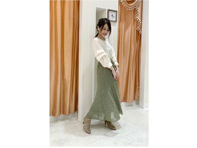 アイキャッチ:品よくレディ感な新作スカート♡}
